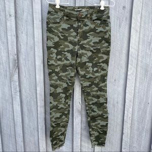 Old Navy Rockstar mid-rise skinny jeans in camo